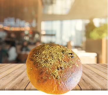 Domači kruh z bučnim oljem in semeni